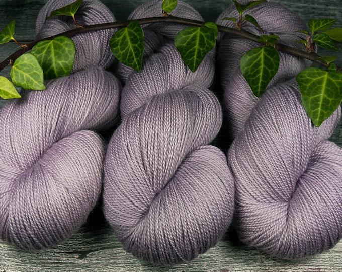ANNA - Merino Lace pflanzengefärbt von folly.me, Lacegarn Merino superweich, handgefärbtes Merino Lace, Lauflänge 600m, 2ply