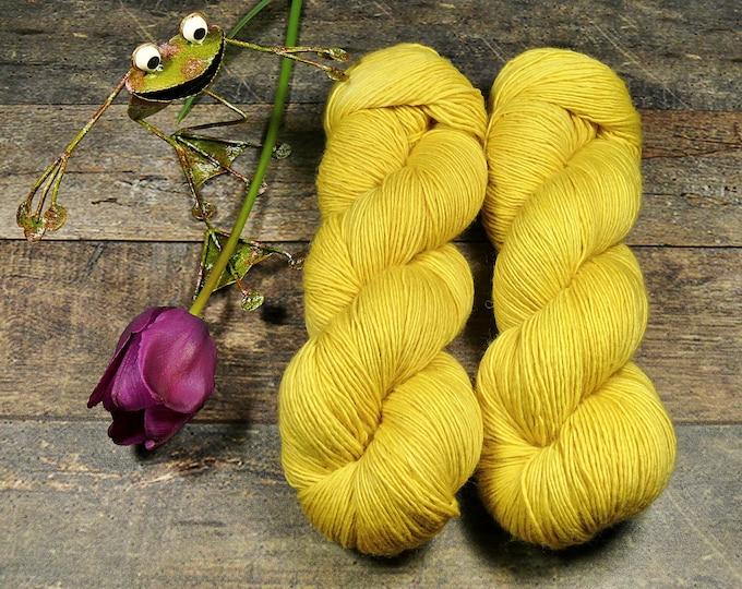BECCA KANARI - Lanartus Merino Singles 370m LL, pflanzengefärbt von folly.me, reine weiche Wolle, Singlesgarn natürlich gefärbt