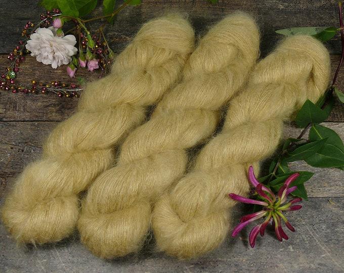 DIJON - 50gr Kidsilk Lace (100gr/EUR 43), Kidmohair & Seide pflanzengefärbt, edles Lacegarn mit Mohair, Lauflänge 420 Meter