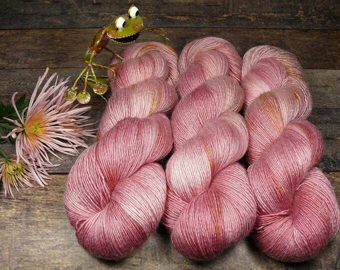 NALINI - Merino Seide Singles pflanzengefärbt, superweiches unbehandeltes Edelgarn, Naturfärbung, 100gr Lauflänge 495m