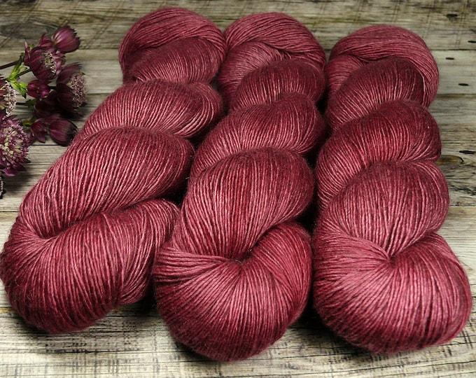 FUMY HAGEBUTTE - 120gr Yak Seide Merino Singles handgefärbt (100gr/Euro 21,00), natürlich gefärbtes zartes Edelgarn
