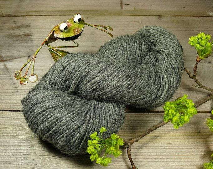 POMMERNWOLLE - pflanzengefärbte Wolle vom Pommernschaf, 400 Meter LL, robuste & formstabile Wolle deutscher Schafe, unbehandelte Wolle