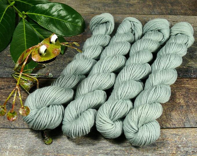 AQUAMARIN ROSY mini - 25 Gramm Bio Merino Wolle (100gr/EUR 22,00), pflanzengefärbte Wolle von Rosy Green Wool, Biowolle