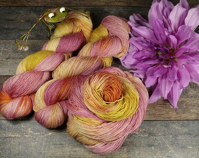 Featured listing image: PAKO ZIRKUS - 115gr Merino Alpaka Seiden Singlesgarn (100gr/EUR 23,04), natürlich handgefärbtes Edelgarn, rein mit Pflanzen gefärbt