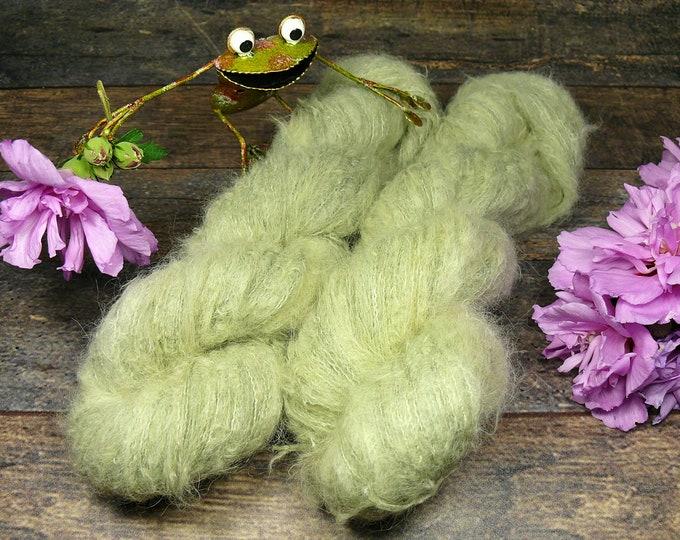 MEADOW - Suri Alpaka Silk Lace 50gr (100gr/EUR 44) pflanzengefärbt, Suri Alpaka & Seide, flauschig weich, Pflanzenfärbung, Lauflänge 300m