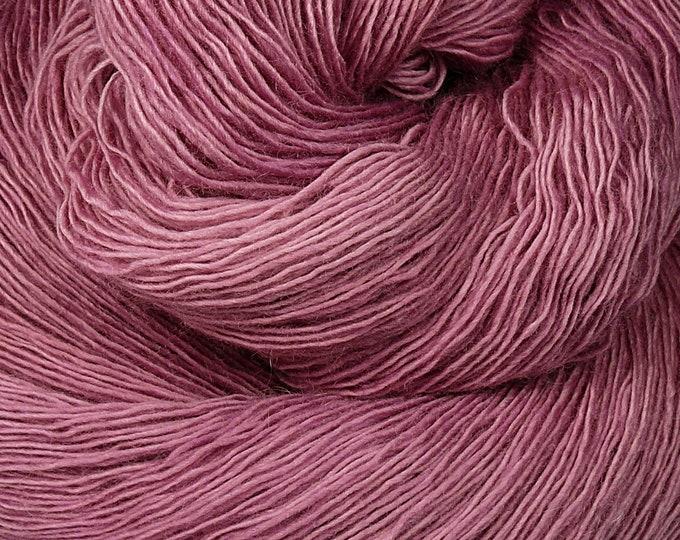 DAISY - Merino Lace pflanzengefärbt von folly.me, handgefärbtes Singlesgarn, Single reine weiche Wolle, Lauflänge 800 Meter