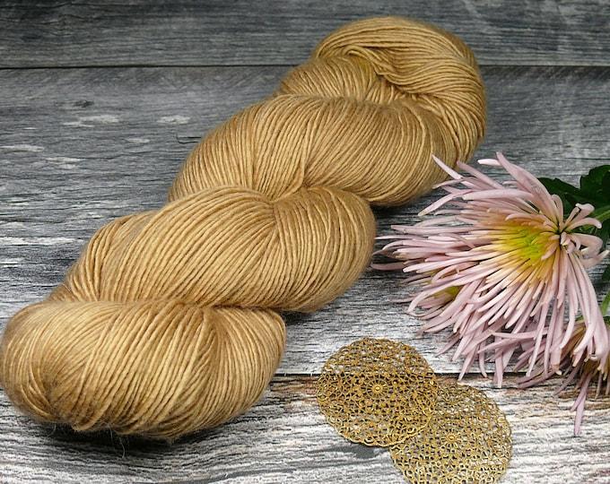 BECCA WALNUT - Lanartus Merino Singles 370m LL, pflanzengefärbt von folly.me, reine weiche Wolle, Singlesgarn natürlich gefärbt