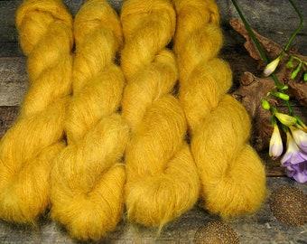 GOLDEN - 50gr Kidsilk Lace (100gr/EUR 43), Kidmohair & Seide pflanzengefärbt, edles Lacegarn mit Mohair, Lauflänge 420 Meter