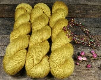 GRETA KÜKEN - Merino Mohair Singlesgarn, Merino & Kidmohair pflanzengefärbt, pflanzengefärbte Wolle, Lauflänge 400 Meter