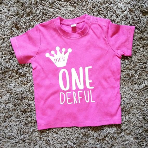 Geburtstag Baby Mrs One Derful Baby T-Shirt Langarm