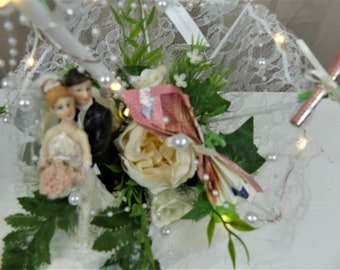 Wedding stuck in a white parasol and an LED fairy lights, wedding party, table decoration, money gift,