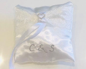 Ring cushion personalized