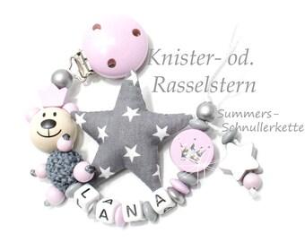 Schnullerkette mit Namen, Bär Teddy, Rosa-Grau, Knister od. Rasselstern, für Mädchen, Babygeschenk