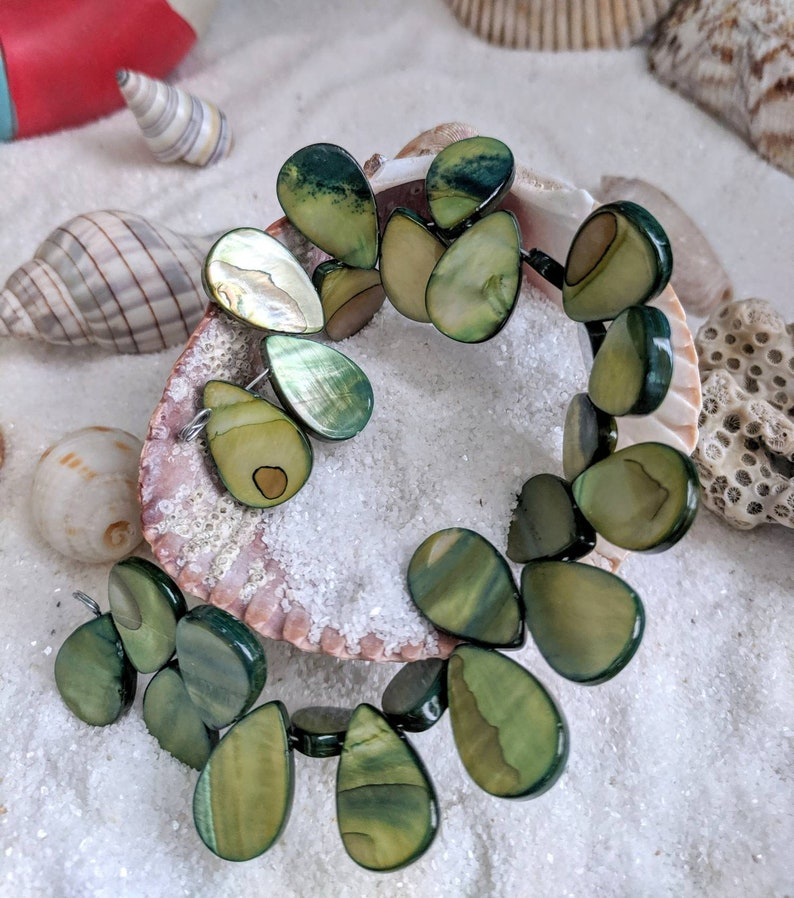 Green beads green shell beads mother of pearl shell image 0