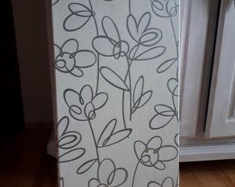 "Memoboard / Wall ""Flowery in White & Silver"""