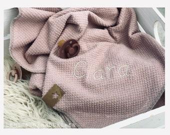 Babydecke Strickstoff personalisiert mit Namen Altrosa Strickdecke