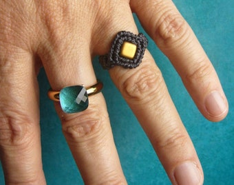Macrame Ring, micromacrame ring, Gift for Woman, Tilabead, Micromakramee Ring, black, gold