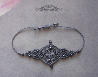 Micromakramee bracelet, macrame jewelry, micromacrame bracelet, boho, gift for woman, lilac / lavender