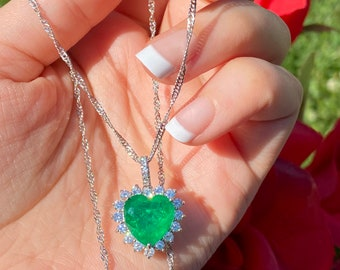 Handcrafted Vibrant Green Ethiopian Natural Emerald Necklace Pendant 925 Sterling Silver Chain