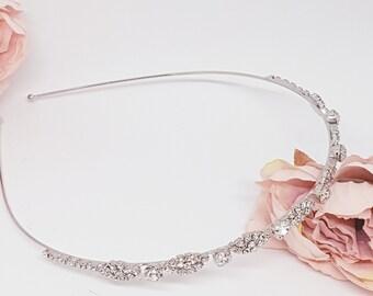 38d4b94fcafff1 Strass Haarreif Krönchen Braut Haarschmuck Hochzeit Tiara Brautfrisur  Brautschmuck Hochzeitstag Blüten Blumen Kopfschmuck Silberne Krone