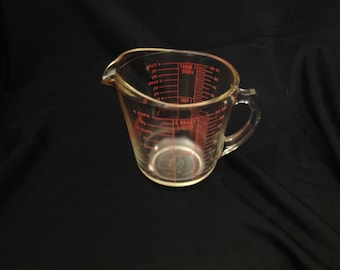 Vintage Pyrex Measuring Cup  F-21 #532 Red Lettering 4 Cup 1 Quart D-Handle