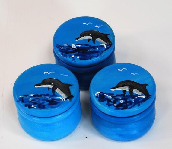 zahndose mit einem delfin bemalt milchzahndose mit namen. Black Bedroom Furniture Sets. Home Design Ideas