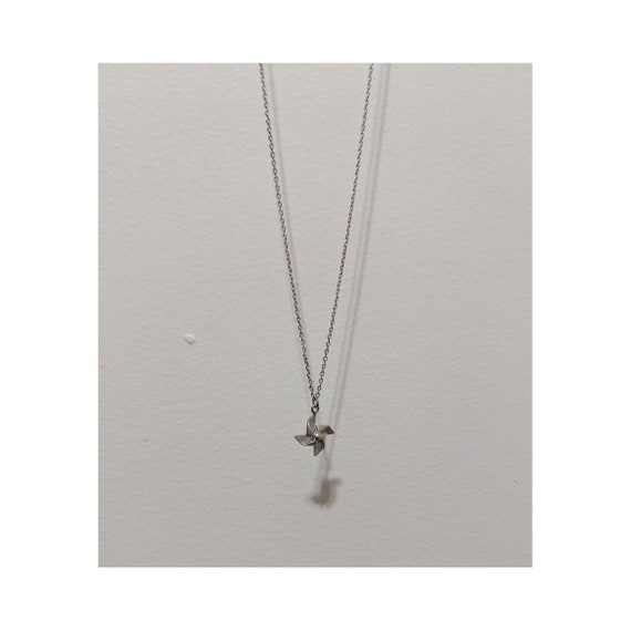 6d6e0c7888a10 Vintage Thin Silver Chain Charm Necklace