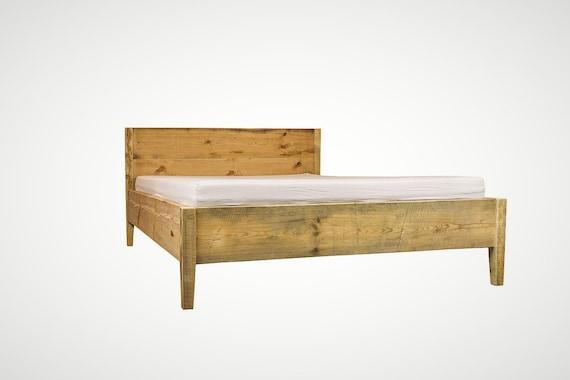 Bett Aus Bauholz 140 160 180 200 Upcycling Vintage Kopfteil Etsy