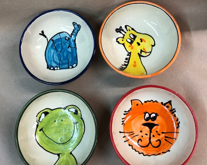 Muesli bowl bowl dessert bowl with cat elephant giraffe or frog