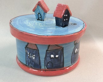 Biscuit tin pastry can delicious can ceramic with house in design angelo blu