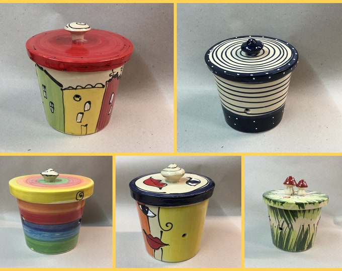 small onion pot or garlic pot ceramic ROM I in different patterns