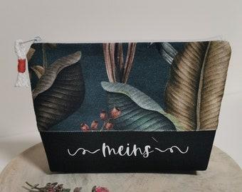 Cosmetic bag / Medicine bags / Make-up bag / Toiletry bag / Pencil case / Knick-knacks / Leaves
