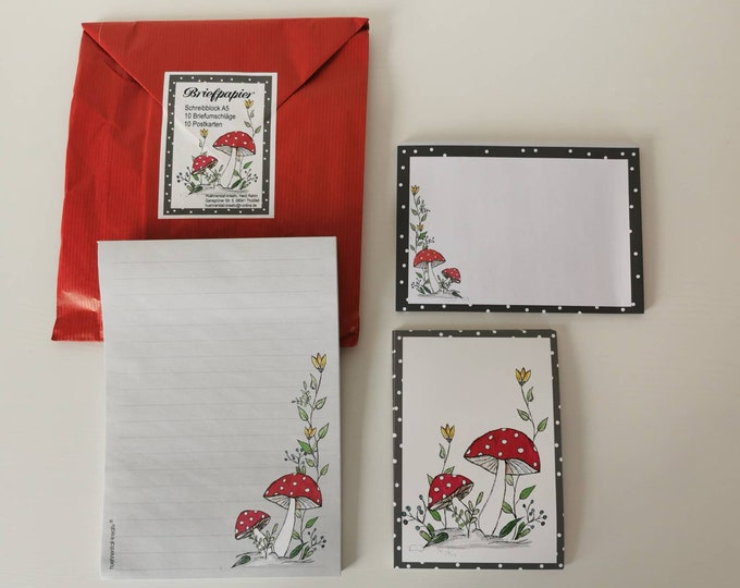 Stationery / Writing Paper / LetterSet / Postcard / Envelope / Illustration / Watercolor / Writing Pad / Writing Paper / Toadstool