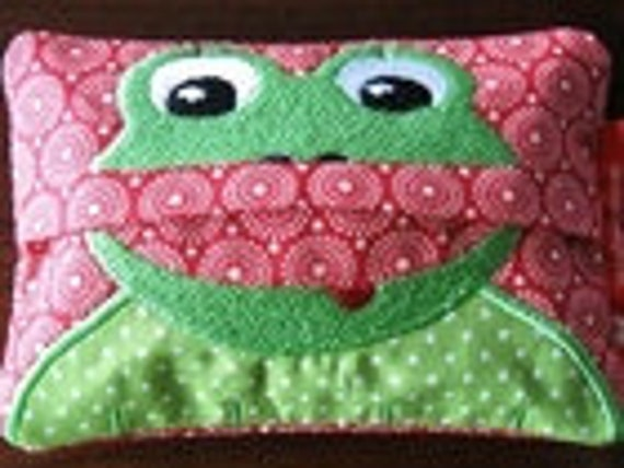 "Embroidery file-""Handkerchief eater frog""-ith"