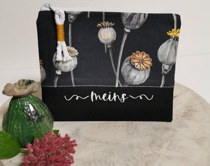 Cosmetic bag / Medicine bags / Make-up bag / Toiletry bag / Pencil case / Knick-knacks / Poppy capsule