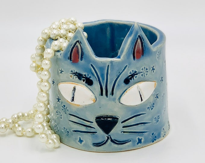 Sky Blue Cat Face in White Clay Ceramic or Pottery Vase, Brush or Pencil Holder