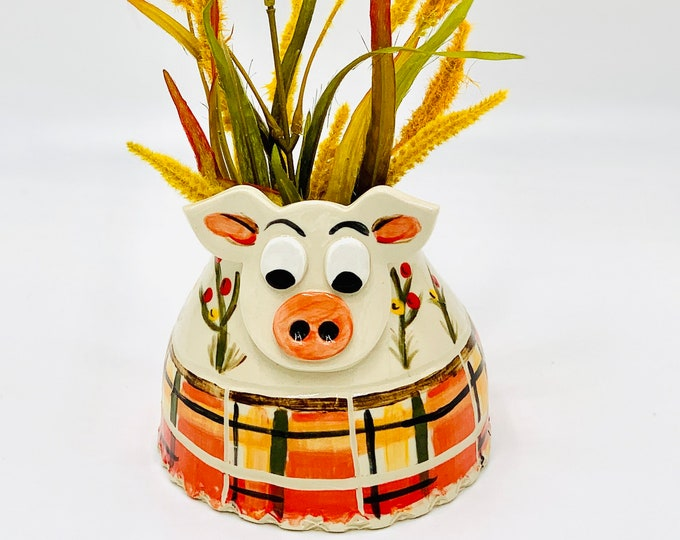 Hand Painted Pig Vase or Utensil Holder in White Clay Ceramic or Pottery Vase or Pencil Holder