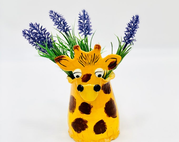 Giraffe Vase or Utensil Holder in White Clay Ceramic or Pottery Vase or Pencil Holder