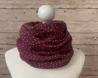 LOOP, scarf, muslin, dot, berry, white, dots, cuddly, trendy, autumn,chic, ladies loop scarf, cozy,
