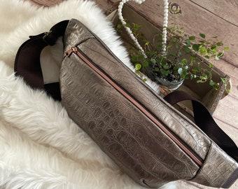 Belt bag, belly bag, hip bag, faux leather croc, bronze, metallic, trend bag, festival, crossover bag