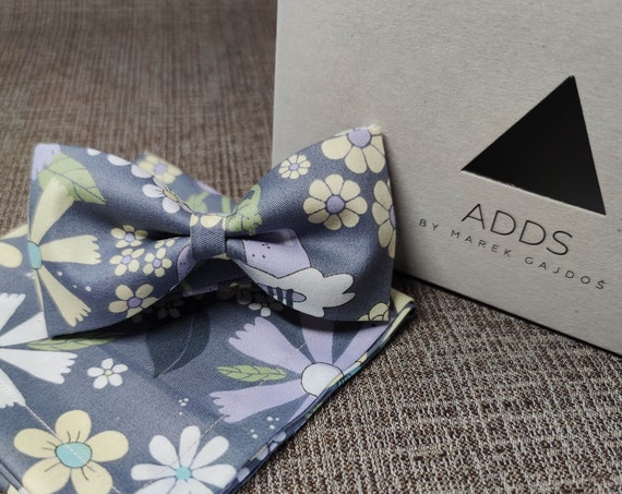Set bow tie and pocket cloth bow tie and handkerchief, flowers, flowers