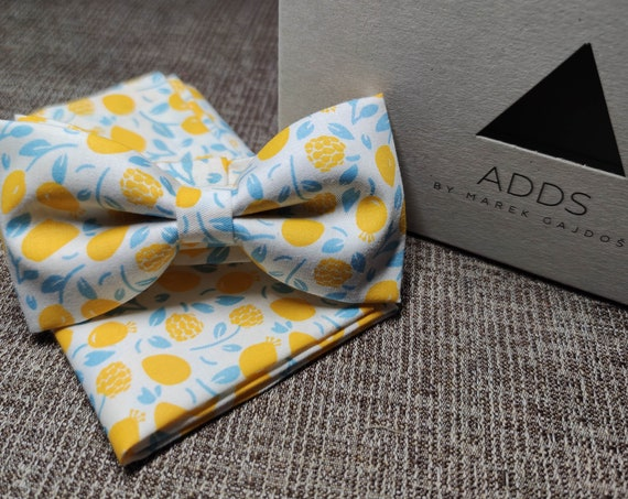 Set bow tie and pocket cloth bow tie and handkerchief, yellow with flowers