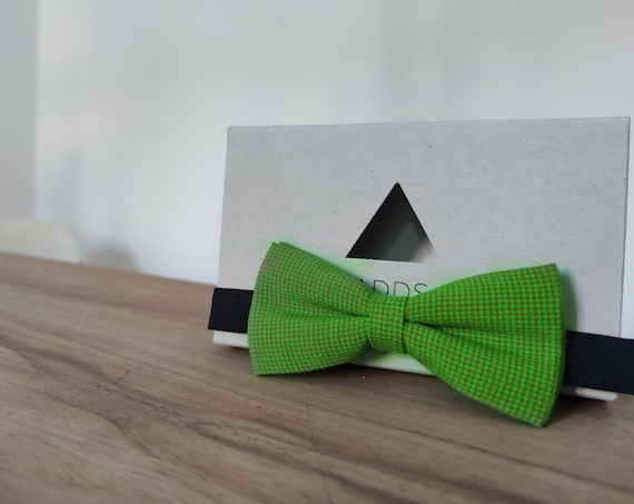 Men's Bow Tie / Green Bow Tie / Gift Idea / Gschenk for Iehm / Green Bow
