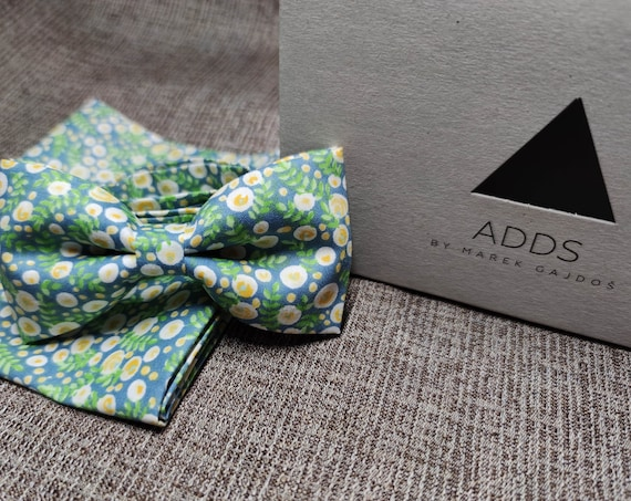 Set bow tie and handkerchief, flowers