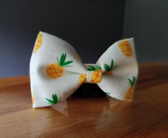 Bowtie / White Bow Tie / Men's Accessory / Accessory / Men's Bow / Banana