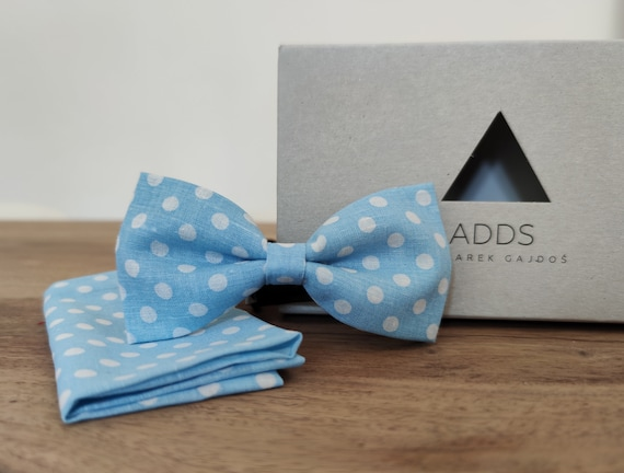 Men's bow tie / blue bow tie / bow with dots /accessory / cotton / gift idea / gift for him / bow / handmade bow tie