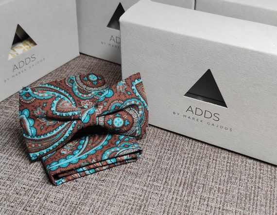 Set bow tie and handkerchief bow tie and handkerchief, brown (flowers)