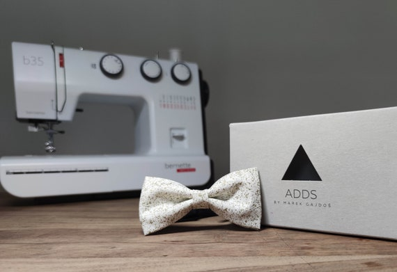 Men's Bow Tie / White Golden Bow Tie / Accessory / Gift Idea / Gift for Him / Bow / Handmade Bow Tie / From Germany