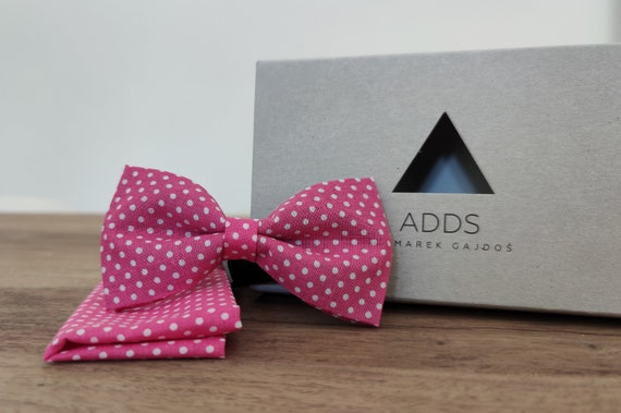 Men's bow tie / pink bow tie / bow with dots /accessory / cotton / gift idea / gift for him / bow / handmade bow tie
