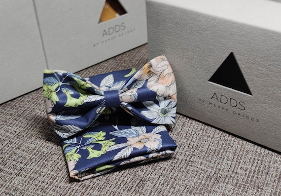 Set fly and scarf bow tie and handkerchief, blue with flowers